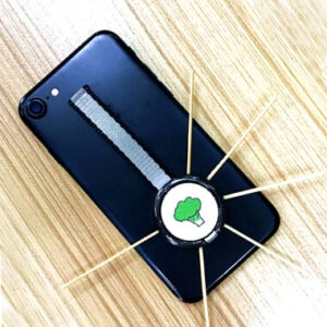 How to remove the phone ring holder by  using toothpicks